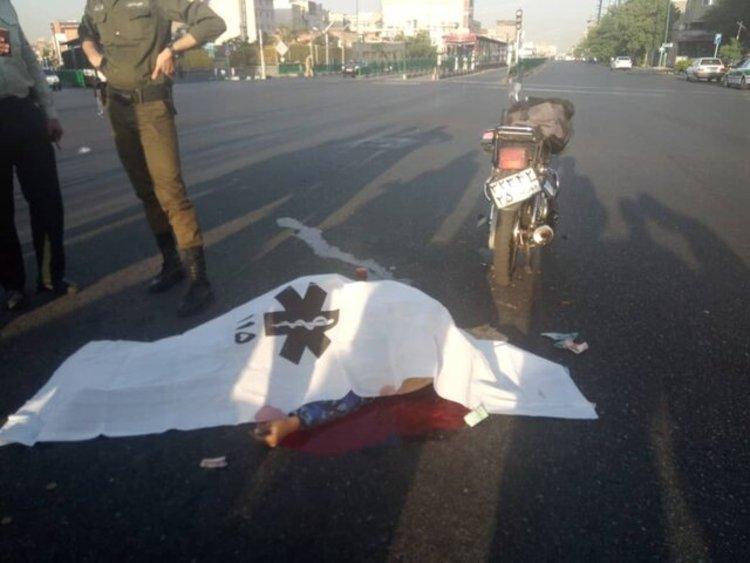 تصاویر دردناک از برخورد مرگبار اتوبوس BRT با موتورسیکلت سوار