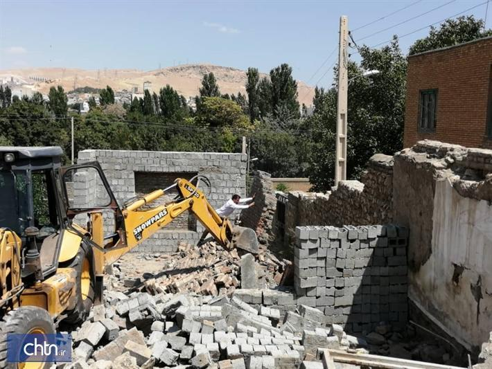ساخت و ساز غیرمجاز در حریم حوضخانه تاریخی شاه درویش مهاباد تخریب شد