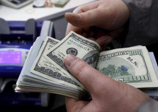 دلار باز هم سقوط کرد